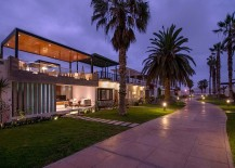Contemporary beach house in Peru with a trendy indoor-outdoor interplay