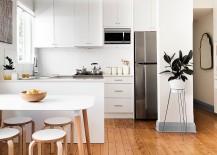 Contemporary-kitchen-with-Scandinavian-minimalism-217x155