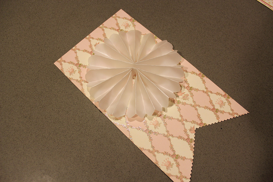 DIY Baby Shower Banner With Intricate Fanned Scallop