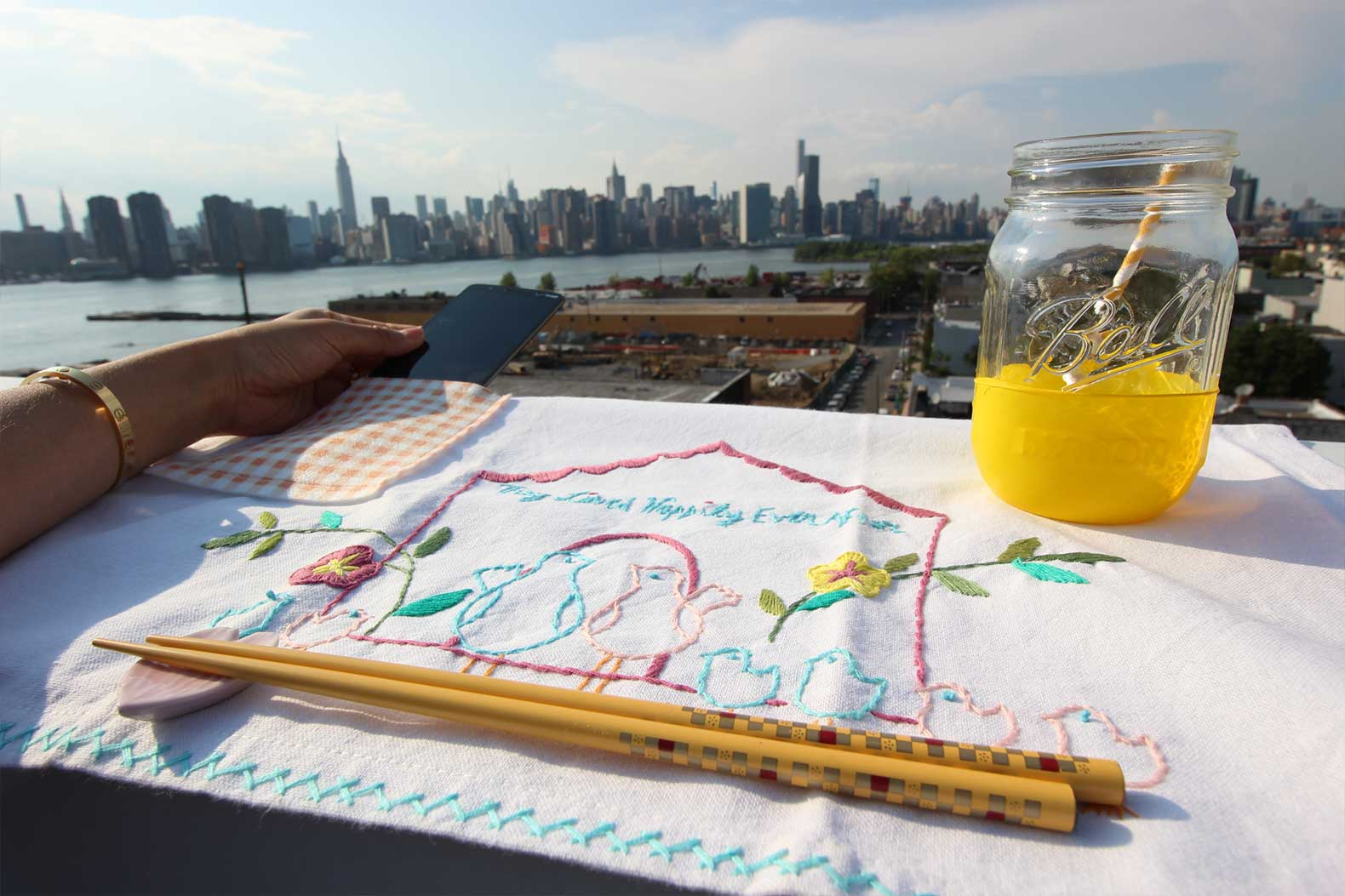 DIY Pocket Placemat with City View