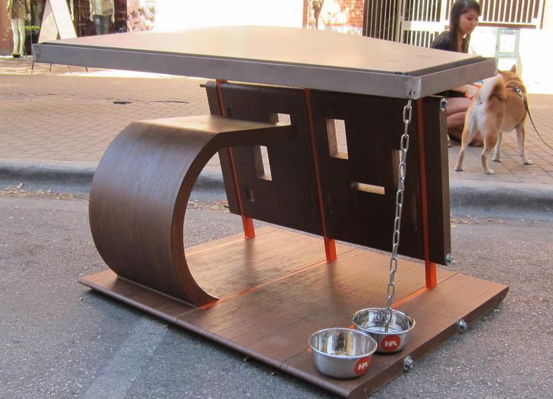 An open doghouse design
