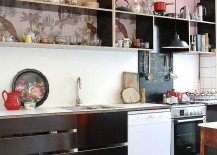 Elegant use of black and pink inside the cool Scandinavian style kitchen