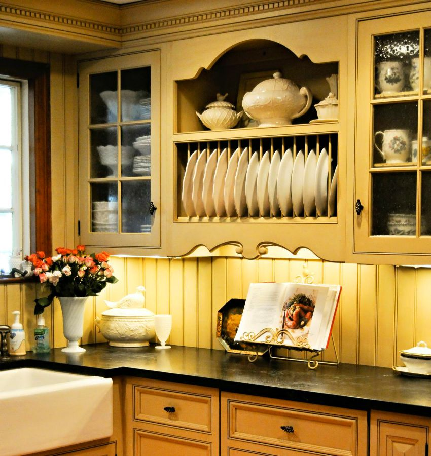 View In Gallery A Traditional Kitchen Style