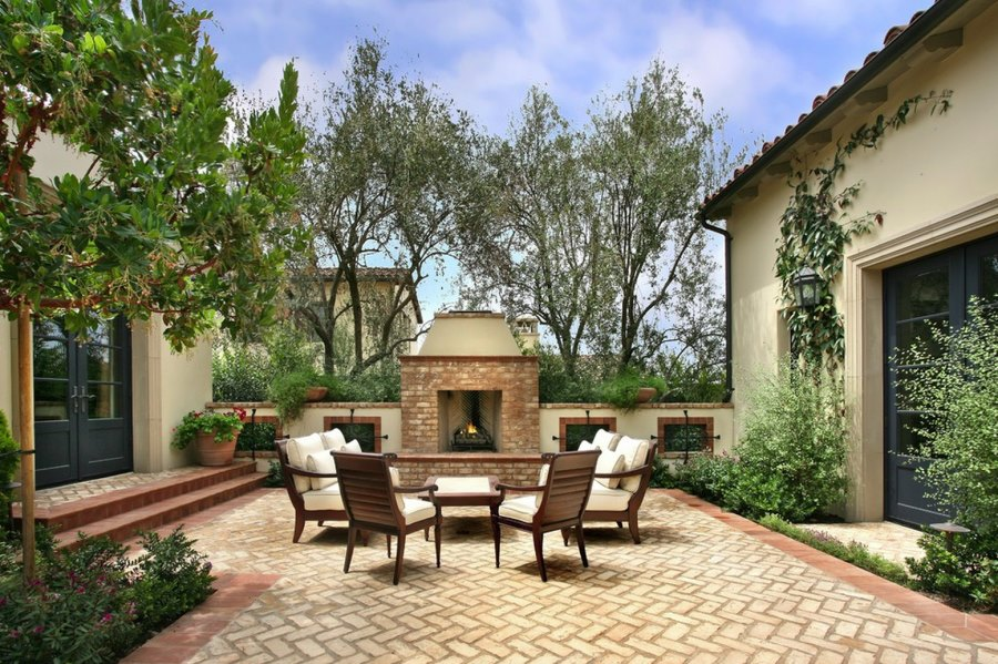20 Charming Brick Patio Designs on Backyard Masonry Ideas id=67544