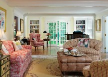 Hint of colonial charm for the traditional living room [Design: Jan Gleysteen Architects]