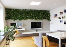Home office with a vertical wall of plants 217x155 Modern Hydroponic Systems for the Home and Garden
