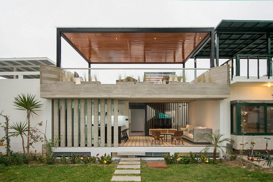 Modern S House by Romo Arquitectos