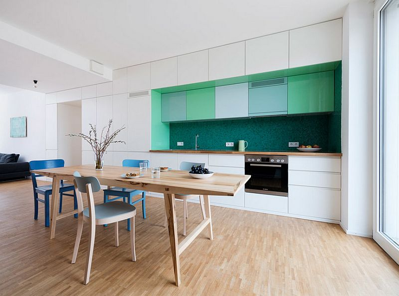 Modern Scandinavian style in the kitchen with colored mosaic tile [Design: IFUB]