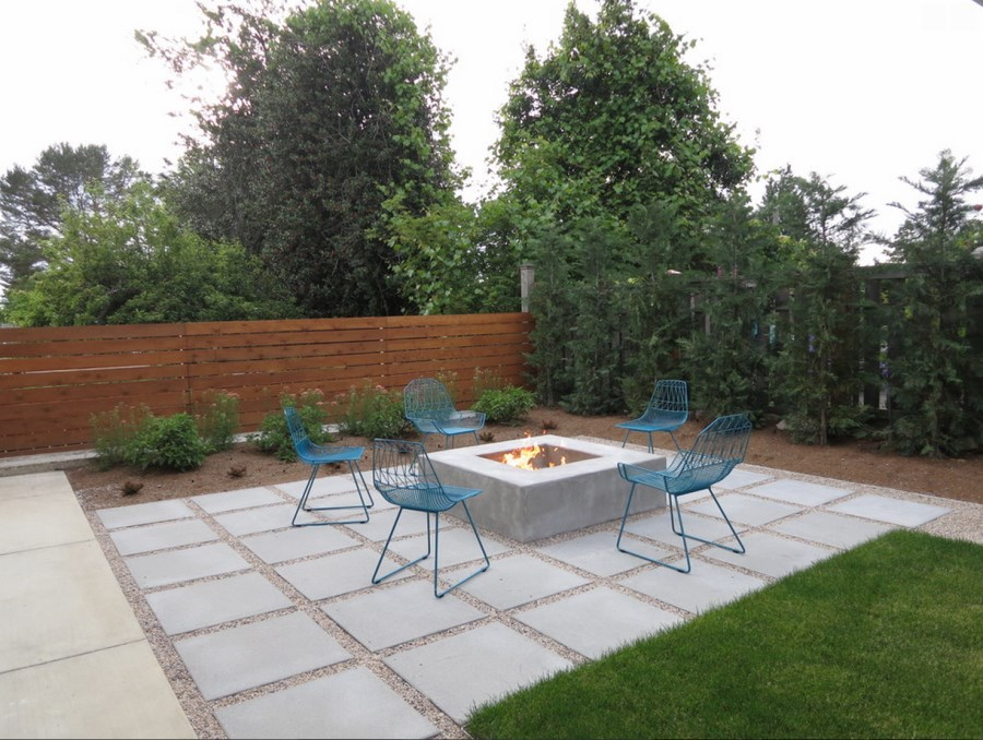 Modern paver patio with gravel