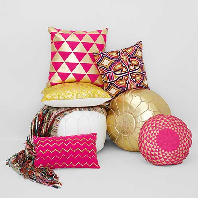 Moroccan Pouf in Pink with Coordinating Pillows