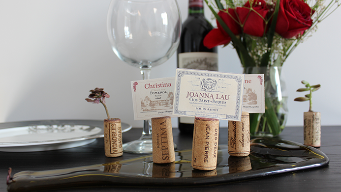 Placecard-Holders-Made-out-of-wine-corks