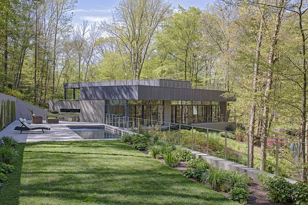 Planted roofs and gardens become an integral part of the home design