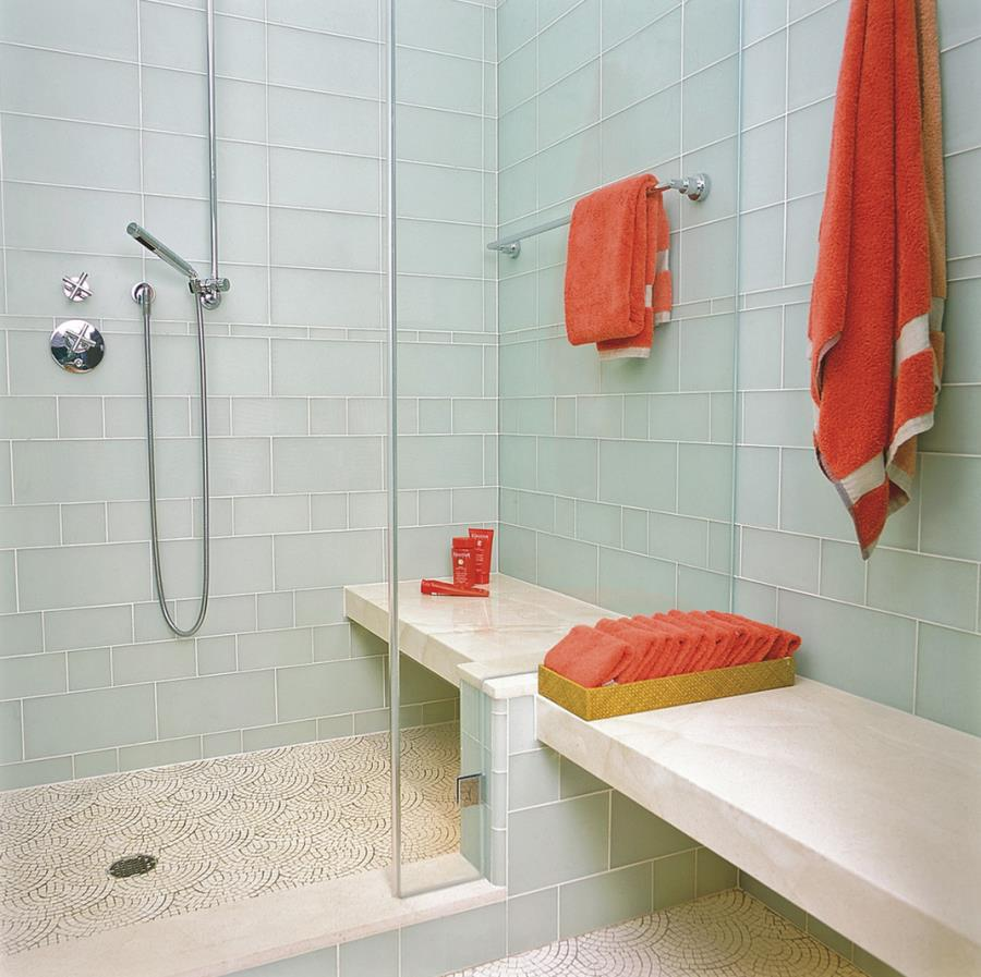Refreshing shower with coral towels