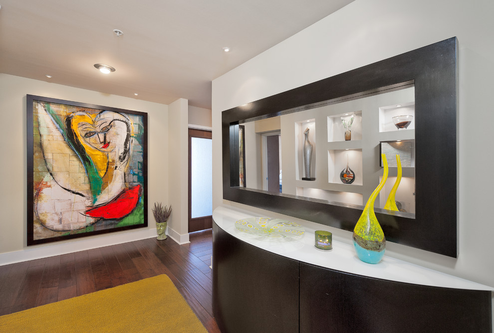 Wall art seems to imbibe a touch of Picasso [Design: Your Design Envy]