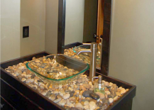 Stylish use of pebbles and rivers tones for DIY vanity