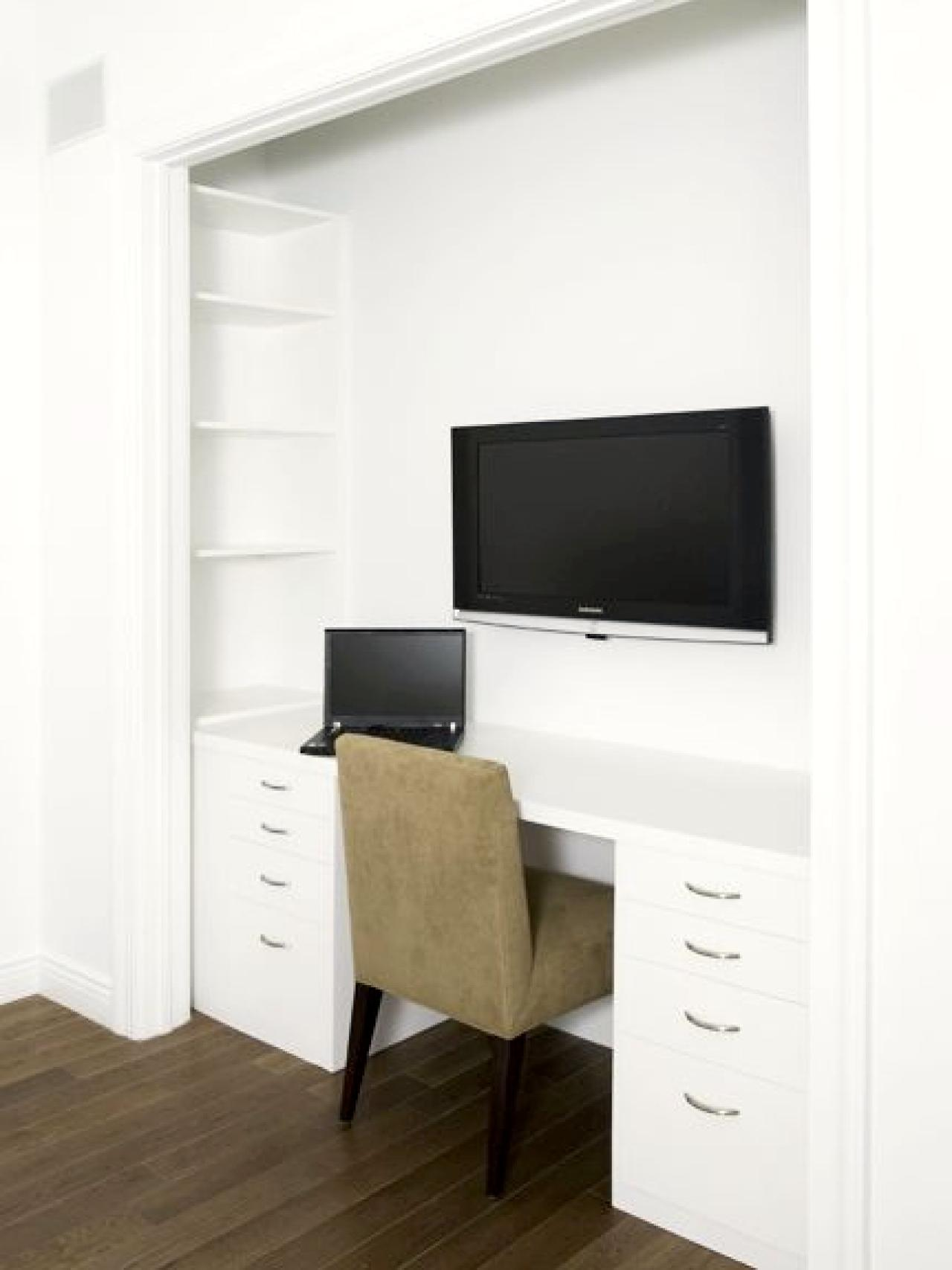 Bedroom with tv and closet -  Closet Office Space 3