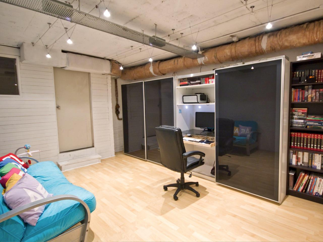 15 closets turned into space saving office nooks for Office space