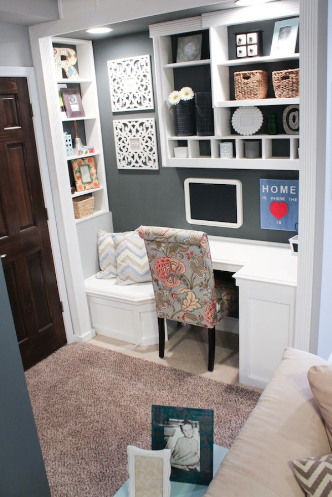 Stupendous 15 Closets Turned Into Space Saving Office Nooks Largest Home Design Picture Inspirations Pitcheantrous