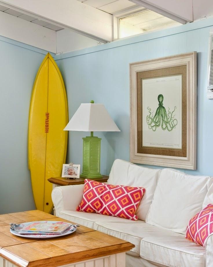 den surfboard stood up 7