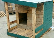 doghouse pallet aqua 217x155 13 Inspiring Ideas to Build Your Own Dog House