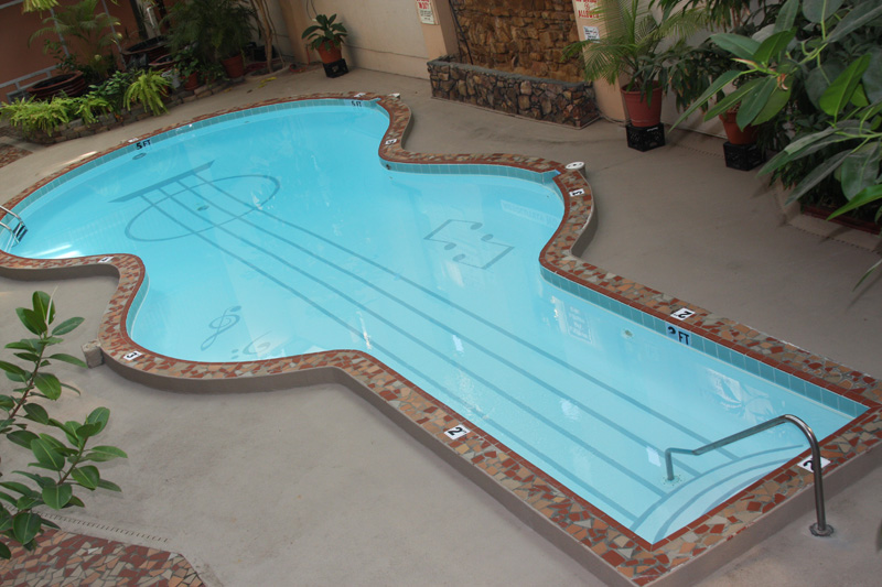 guitar shaped pool 4