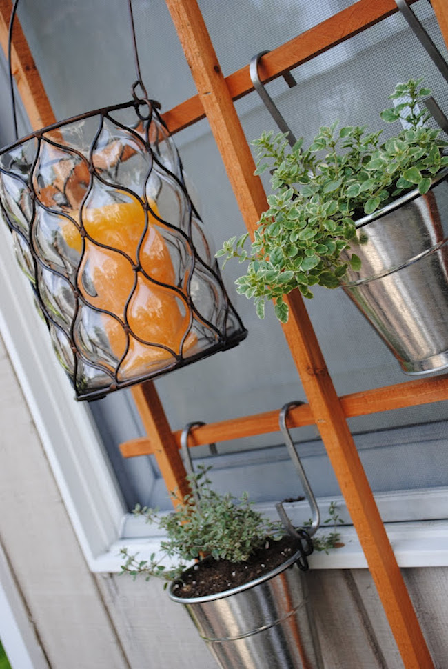 8 Space-Saving Vertical Herb Garden Ideas for Small Yards ...