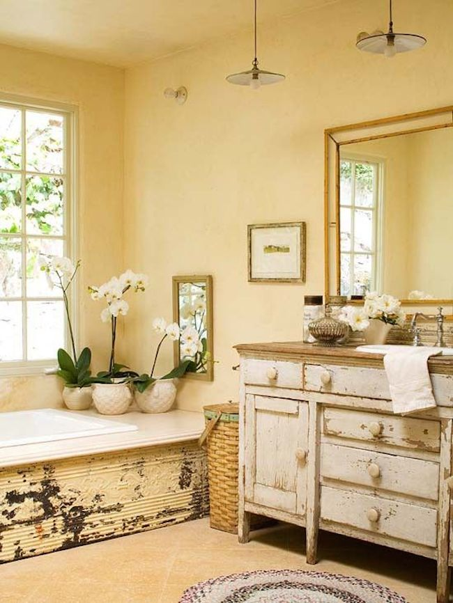 shabby chic bathroom 1