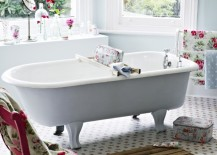 Elegant chic bathroom is all about simplicity