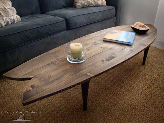 16 beachy surfboard decorating ideas for Surfboard coffee table