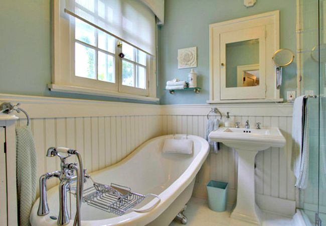 A traditional bathroom gets a boost from beadboard