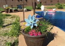 umbrella planter 12 217x155 Easy Canopy Ideas to Add More Shade to Your Yard