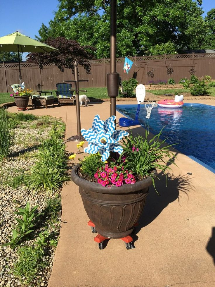 umbrella planter 12