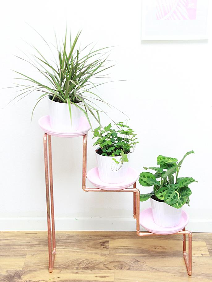 Plant stand style with a modern twist - Fabulous flower stand ideas to display your plants look more beautiful ...