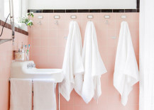A slightly more subtle retro pink and black bathroom 217x155 Spectacularly Pink Bathrooms That Bring Retro Style Back