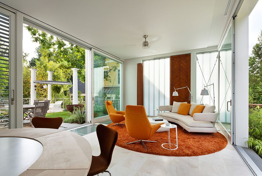 A splash of orange for the relaxing sunroom [Design: AIA Maryland]