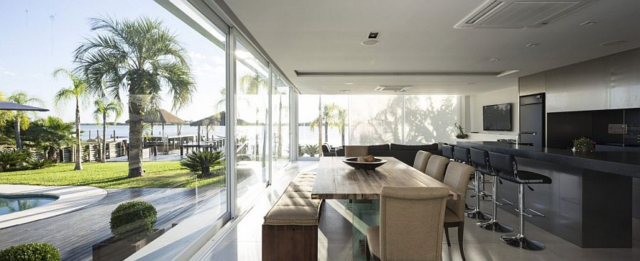 Beautiful Brazilian Pool House next to the lake