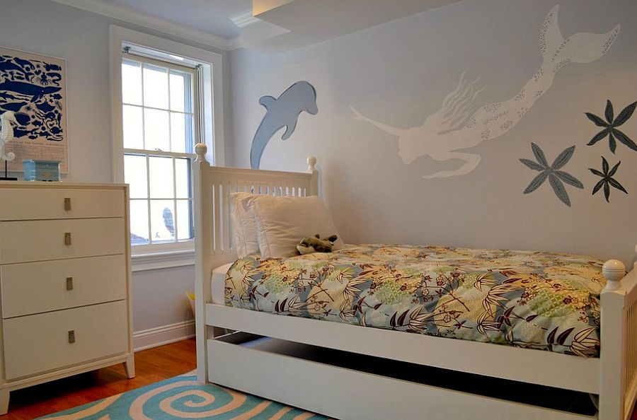 Beautiful Mermaid wall mural for the small kids' bedroom [Design: colorTHEORY Boston]