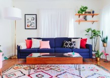 Beautiful-rug-for-the-bright-and-brilliant-living-room-217x155