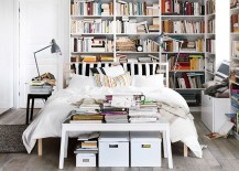 Bedroom tha is a booklover's delight - Digital copies are so not trendy!