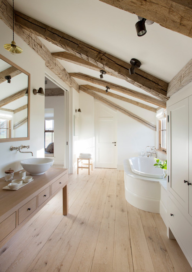 Bright and rustic attic bathroom