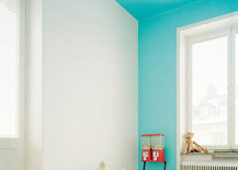 Bright blue color blocking on one wall and ceiling 217x155 22 Clever Color Blocking Paint Ideas to Make Your Walls Pop