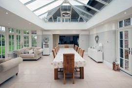 Captivating glass roof for the audacious sunroom  50 Bright and Beautiful Contemporary Sunrooms Captivating glass roof for the audacious sunroom 270x180