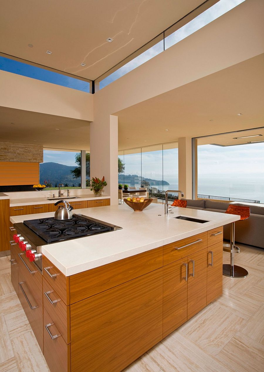 Captivating views of the Bay Area and Golden Gate Bridge from the kitchen