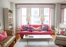 Chic-eclectic-living-room-for-those-who-love-pastel-pink-217x155