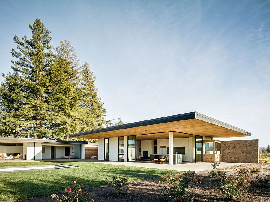 Contemporary L Shaped home in california set among vineyards Stone and Cedar Home Nestled among Napa's Magical Vineyards