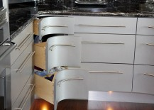 Curvy corner drawers steal the show in this kitchen