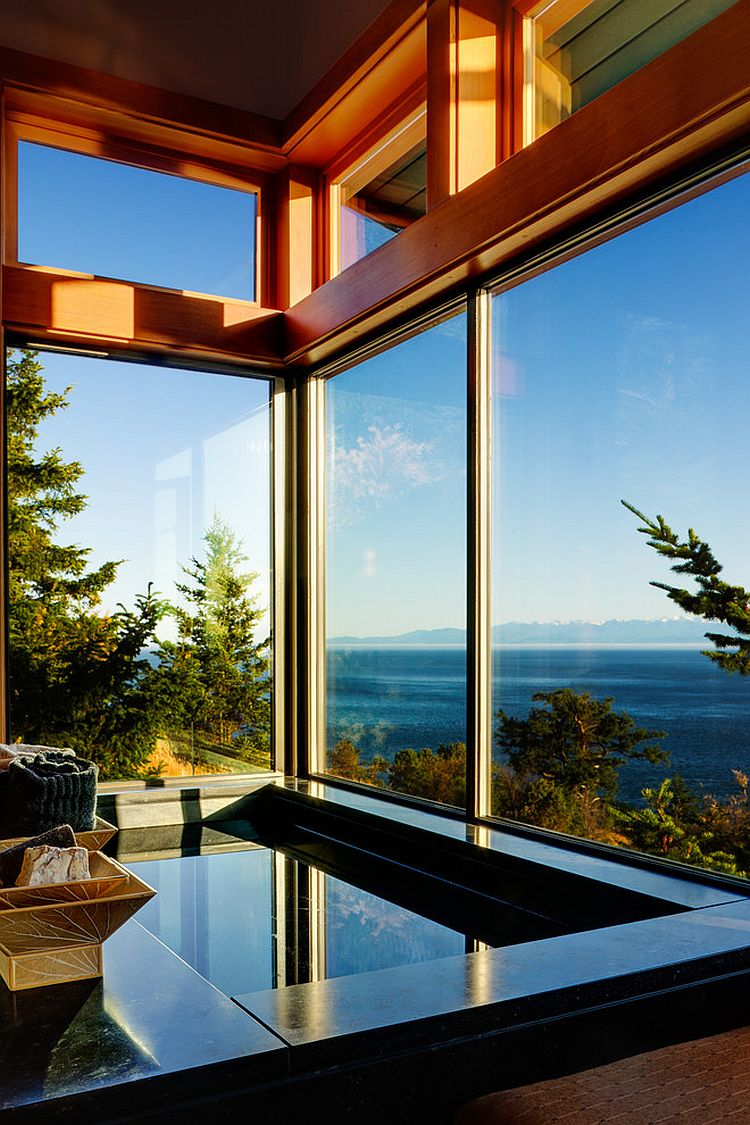 Custom-made tub and captivating views set the mood for a relaxing soak [Design: Prentiss Architects]