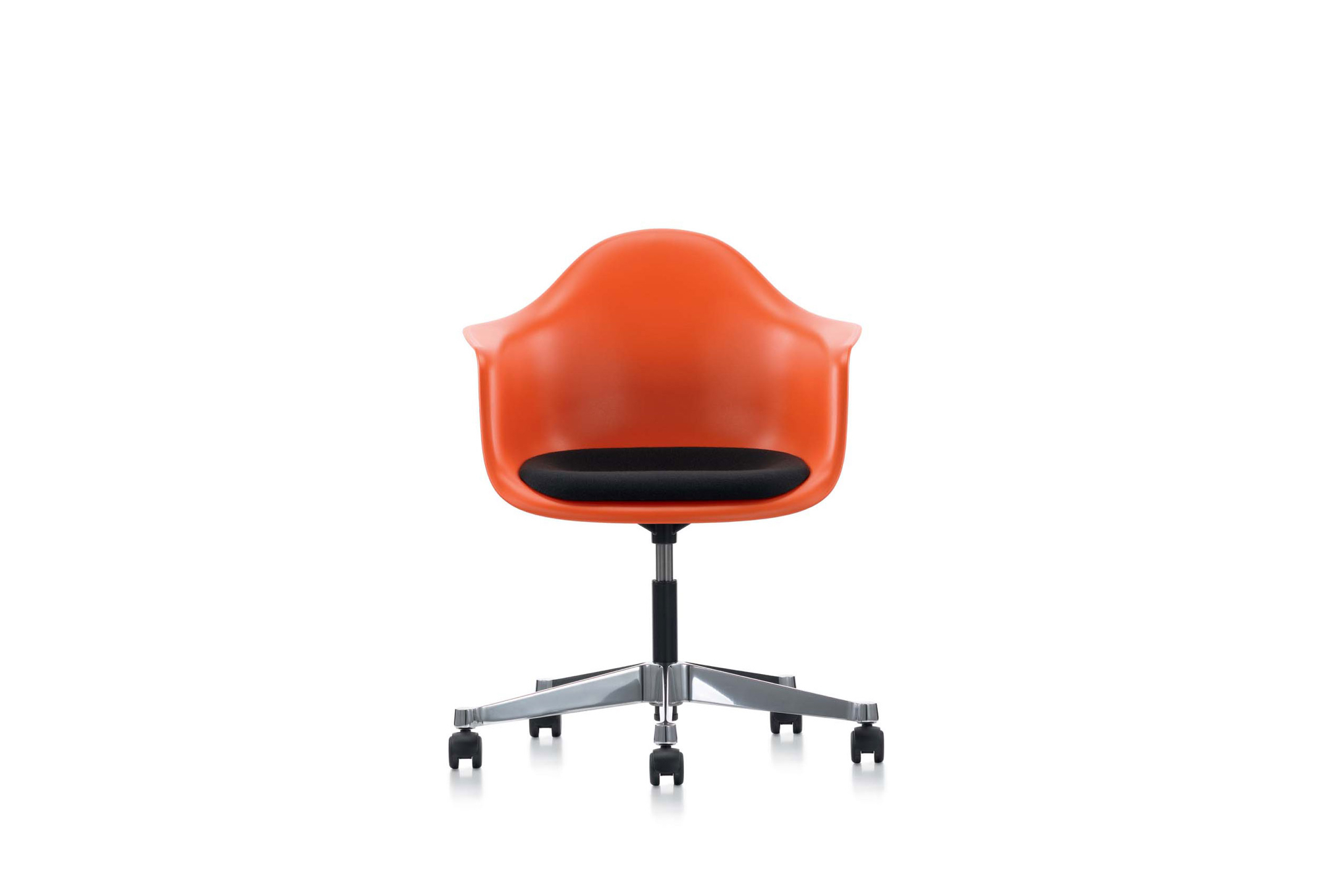Eames plastic chairs all office - View In Gallery Eames Plastic Armchair Pacc