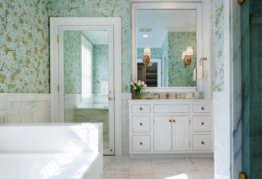 Floral wallpaper in a crisp modern bathroom