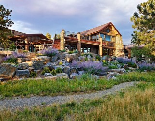 Eberl Residence: Organic Fusion of Rustic Beauty and Modern Luxury